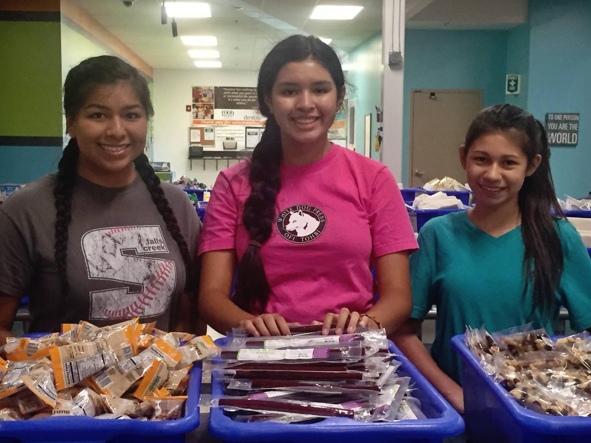 Family Volunteer Opportunities In The Okc Metro Metrofamily Magazine