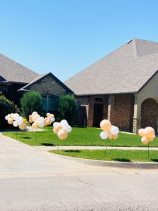 quarantine birthday, yard decorations