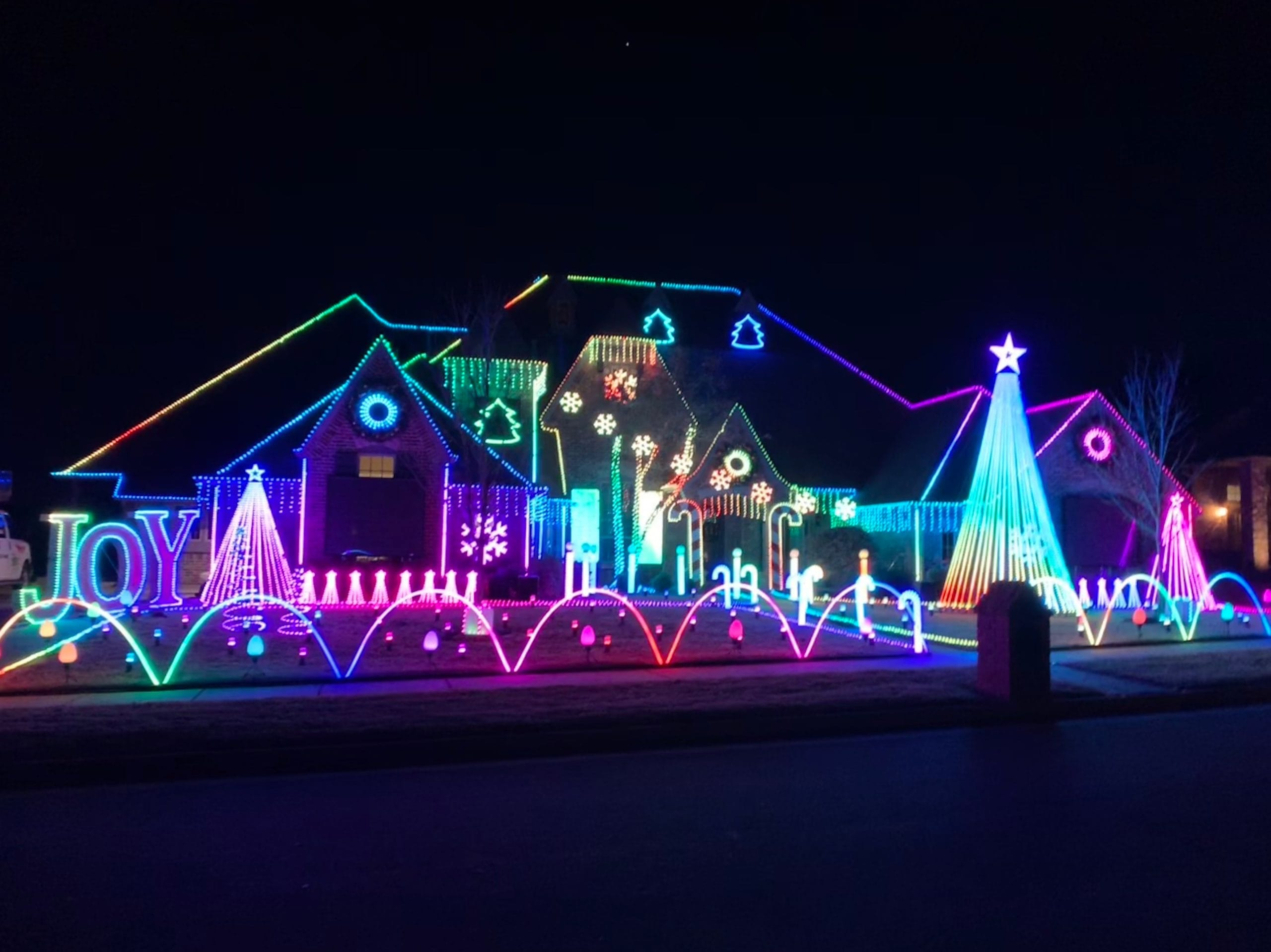 Christmas Light Display In Lincoln Nd 2021 Metro Neighborhoods With The Best Holiday Lights Metrofamily Magazine